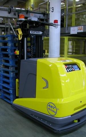 Paquito 2 agv lgv muletti veicoli automatici navette per magazzino | esatroll sa svizzera